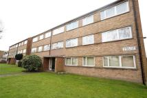 2 bed Flat in Turnpike Court...