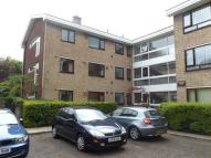 Ground Flat to rent in Footscray Road, London...