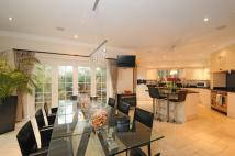 6 bed Detached property to rent in Cobbetts Hill, Weybridge...