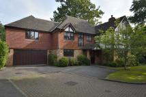 5 bed Detached home in The Grange, Midway, KT12
