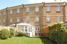 Mews to rent in Duchess Court...