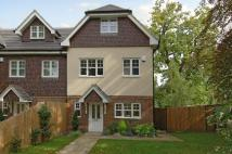 Mews to rent in Heath Road, Weybridge...