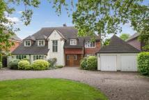 5 bedroom Detached house in Ashley Park Avenue...