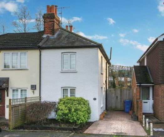 Victorian Semi In Berkshire: 2 Bedroom Semi-detached House For Sale In Firs Lane