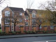 2 bedroom Flat in Calderbrook Court...