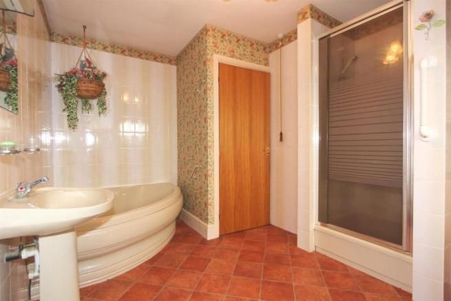 FIVE-PIECE BATHROOM