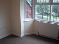 Hurst Road Flat to rent