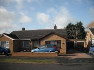 Bungalow to rent in Graham Road, OX26
