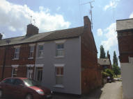 2 bedroom End of Terrace house to rent in York Road, Newbury