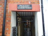 Flat to rent in Cheap Street, Newbury