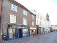 Flat to rent in 11-13 Market Place...
