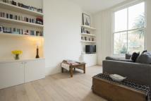 Flat in Caversham Road, London...