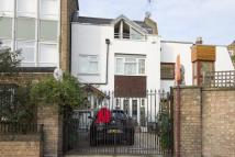 3 bedroom house in Grafton Crescent, London...