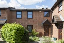 3 bed semi detached house to rent in Weavers Way, Camden...