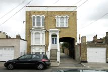 2 bedroom property in Stoneleigh Mews, Bow...
