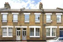 3 bed Terraced home in Senrab Street...