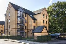 2 bed Flat for sale in Healey House...