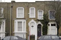 Bancroft Road Terraced house to rent