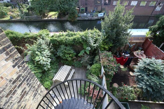 Garden/Canal View 2