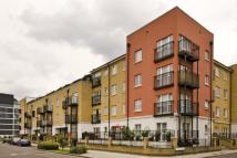 Flat to rent in Johnson Lock Court...