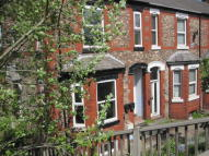 2 bed Flat in Woodlands Road...