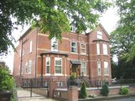 Flat to rent in Holly Lodge...
