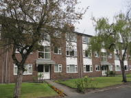 2 bedroom Flat in 49 Rookfield Court...
