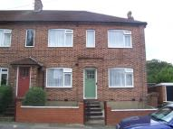 2 bed Flat to rent in FOREST DRIVE IG8