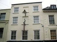 2 bedroom Flat in High Street, Ross-On-Wye...