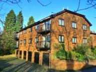 2 bed Apartment in Two bed top floor...