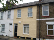 2 bedroom Cottage in Pymmes Road...