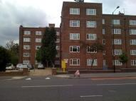 Flat to rent in Bounds Green Road...