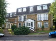 Flat to rent in Crofton Way, Enfield