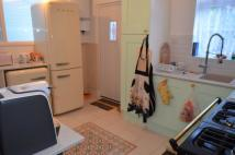Cottage to rent in Eleanor Road, London, N11