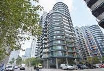 1 bedroom Flat to rent in Millharbour, London, E14
