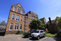 property to rent in Grenwich Academy, London SE10 8DZ