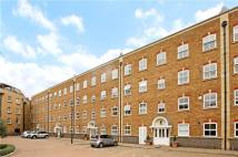 Flat to rent in Leathermarket Court...