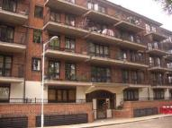 Flat to rent in George Leybourne House...