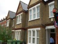 2 bed Flat to rent in Dunton Road...