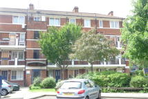 Flat to rent in Arnold Estate...