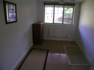 Flat to rent in , Drumond Road...