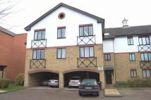 3 bedroom Flat in Churchill House...