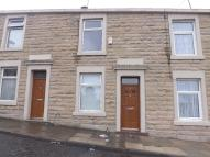 2 bed Terraced property to rent in Vale Street, Blackburn...