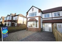3 bedroom semi detached home to rent in Hall Walk, Cottingham...