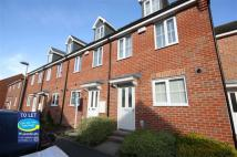Terraced house in Kingscroft Drive, Brough...