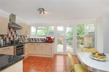 3 bed Flat in Salusbury Road, London
