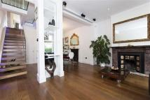 4 bedroom Terraced house to rent in Hazelmere Road, London