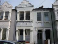 Flat to rent in Charteris Road, London