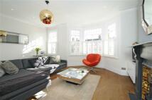 2 bedroom Flat in Kempe Road, Queens Park...