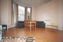 1 bed Flat to rent in Cleve Road...